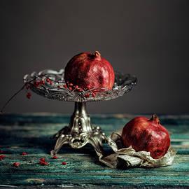 Pomegranate - Nailia Schwarz