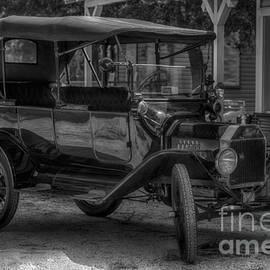 Liane Wright - 1916 Ford - Model T