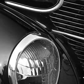Linda Bianic - 1939 Ford Coupe