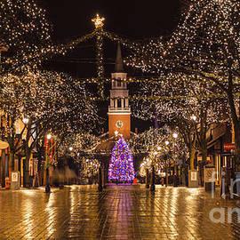 New England Photography - Christmas time on Church Street.