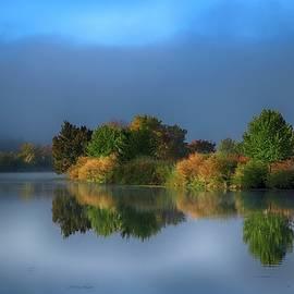 Lynn Hopwood - Fall colors on the river