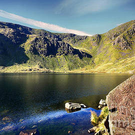 Levers Water - Stephen Smith