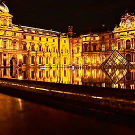 Danica Radman - Louvre Pyramid