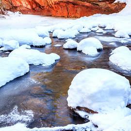 Alexey Stiop - Oak Creek in winter