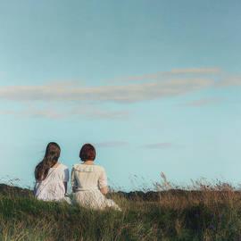 sisters - Joana Kruse