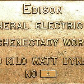 Pat Turner - 200 Kilo Watt Dynamo