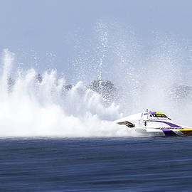 Kevin Chippindall - 2016 Taree race boats 01