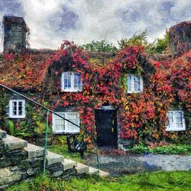 Ian Mitchell - Autumn Cottage