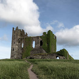 Irish Castle - Joana Kruse