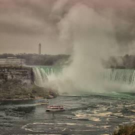 Niagara Falls - Martin Newman
