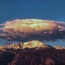 Luis A Ramirez - A Blanket To Go With Pikes Peak