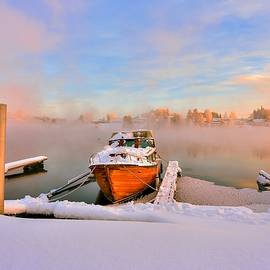 Rose-Maries Pictures -  Boat on frozen lake