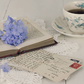 Kim Hojnacki - A Book - Postcards and Cup of Tea