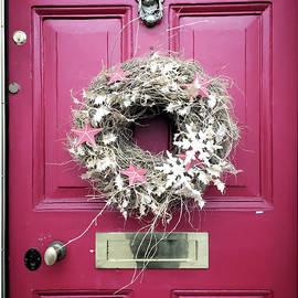 A christmas wreath - Tom Gowanlock