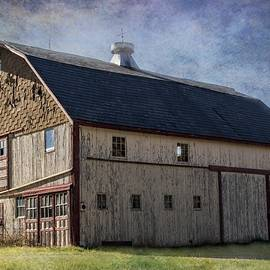 Lisa Hurylovich - A Grand Old Barn