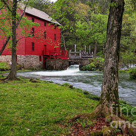 Lynn Sprowl - A Mill in the Ozarks