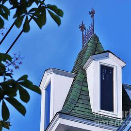 Marcus Dagan - A Roof In Provincetown