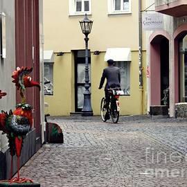 Sarah Loft - A Street in Mainz