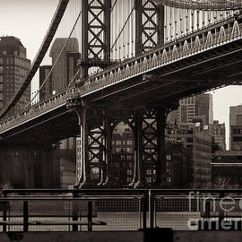 Miriam Danar - A View from the Bridge - Manhattan Bridge New York