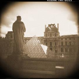 Mike McGlothlen - A Walk Through Paris 16
