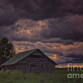 Jukka Heinovirta - Abandoned Barn House Under The Storm Clouds