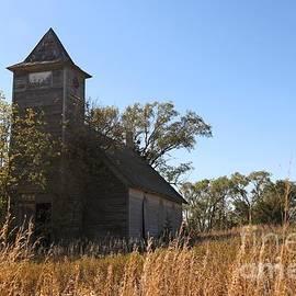 Yumi Johnson - Abandoned church