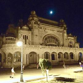 Mioara Andritoiu - Abandoned Elegance - Casino
