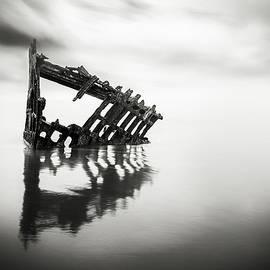 Eduard Moldoveanu - Adrift at sea in black and white
