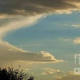 Angela J Wright - Alien Cloud Travel