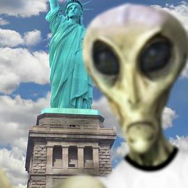 Alien Vacation - New York City 2
