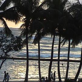 Tamara Thompson - Aloha Stroll