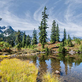 Jeff Goulden - Alpine Pond in the Fall