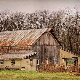 William Sturgell - An Aging Barn In Need of Paint