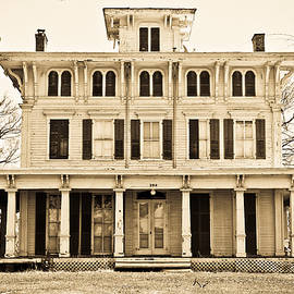 Colleen Kammerer - Antebellum in Sepia