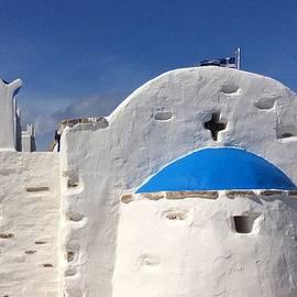 Colette V Hera  Guggenheim  - AntiParos Island Greece