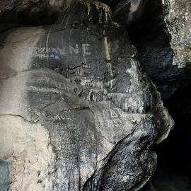 Colette V Hera  Guggenheim  - Antiparos Island Grotte Greece