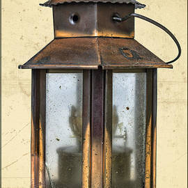 Bouquet  Of arts - Antique Islamic Oil Lamp
