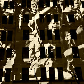 Miroslava Jurcik - Anzac Pictures Projected In Martin Place  16