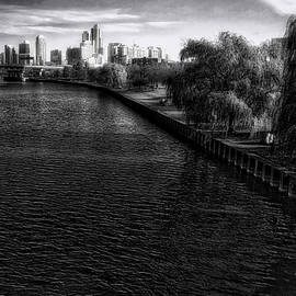 Thomas Woolworth - Approaching The City BW