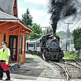 Elizabeth Duggan - Arcade Attica Train Departing