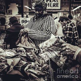 Miriam Danar - At the Dollar Store - People of New York