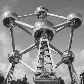 Atomium - Juli Scalzi