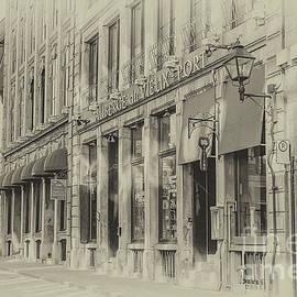 Gene Healy - Auberge du Vieux Port