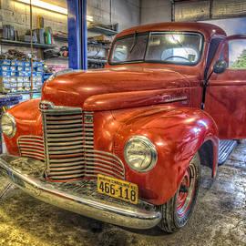 Debra and Dave Vanderlaan - Auto Service Garage
