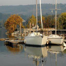 Guido Strambio - Autumn colors around the lake