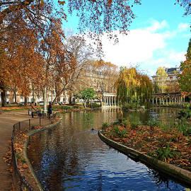 Alex Cassels - Autumn in the Parc Monceau