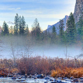 Lynn Bauer - Autumn Mist Across the Merced