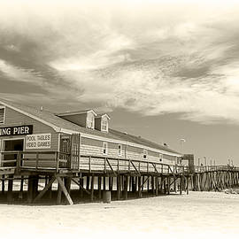 Brian Wallace - Avalon Fishing Pier - Scenic