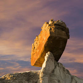 Keith Kapple - Balanced Bus Rock at the Burnham Badlands