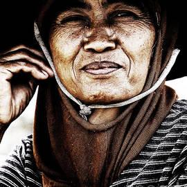 Rpics  - Bali Woman